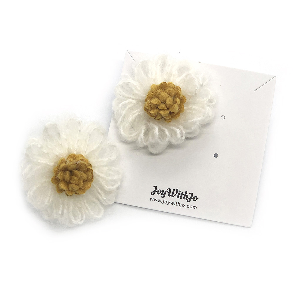 a-floral-surprise-earrings-white-2b