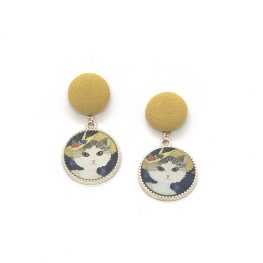 cat-in-a-hat-vintage-inspired-earrings-1