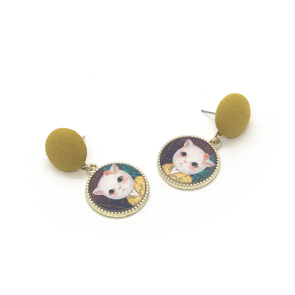 cat-in-a-kimono-vintage-style-earrings