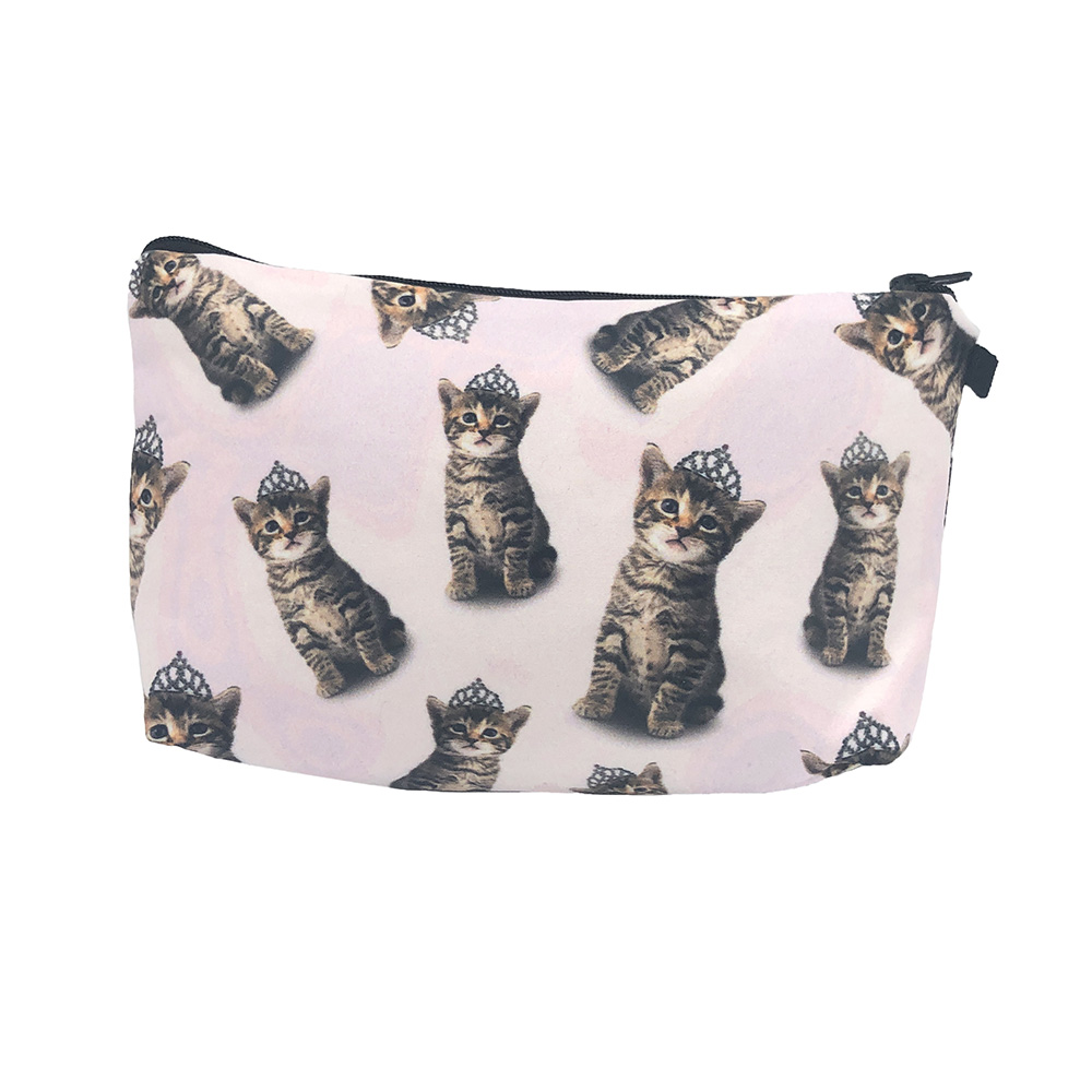 the-cat-and-the-tiara-travel-pouch-bag-2