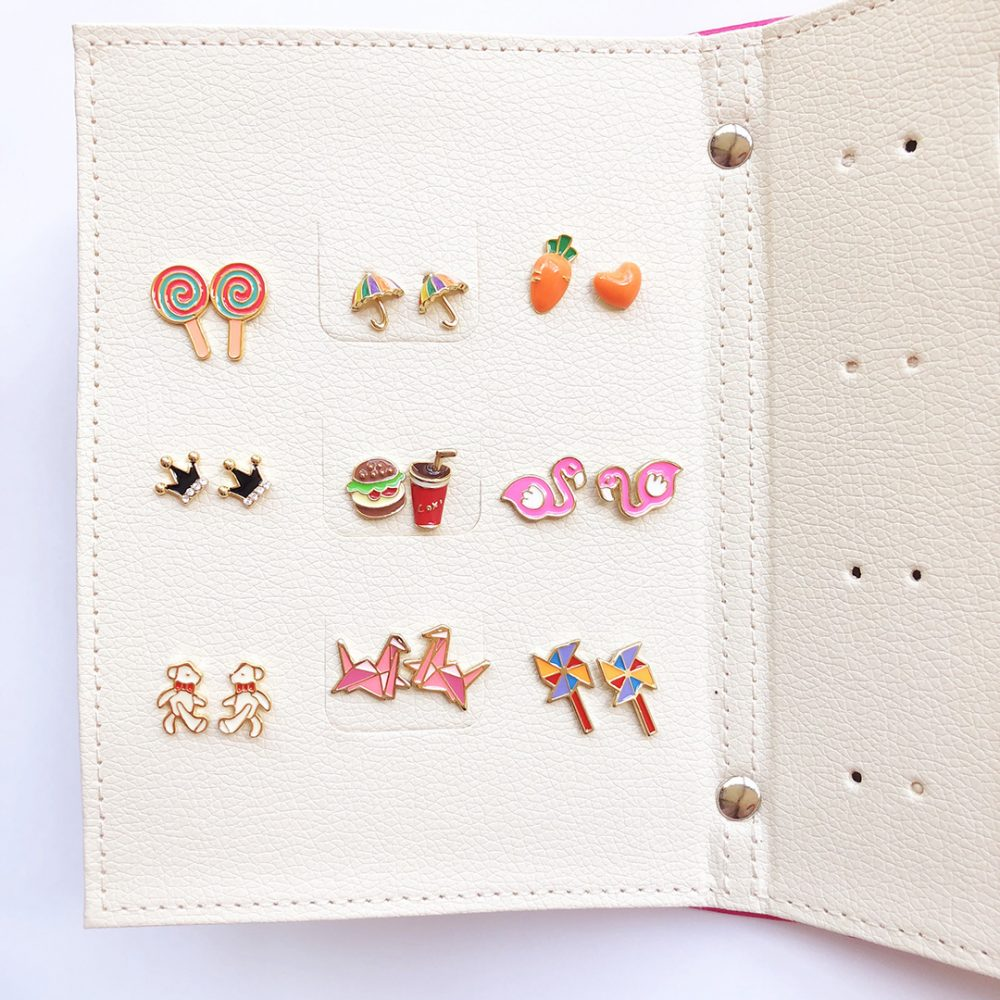 earrings-organiser-folder-fuchsia-4a