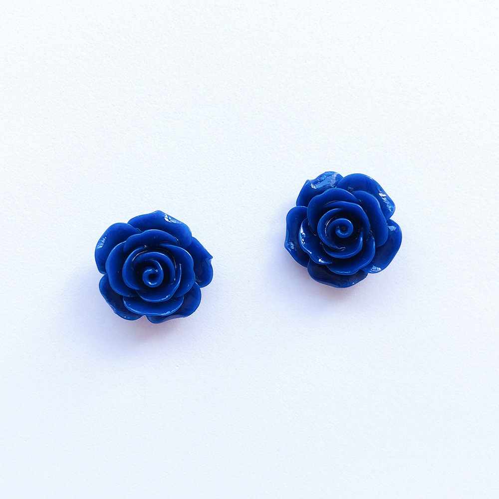 vintage-inspired-blue-rose-earrings-1