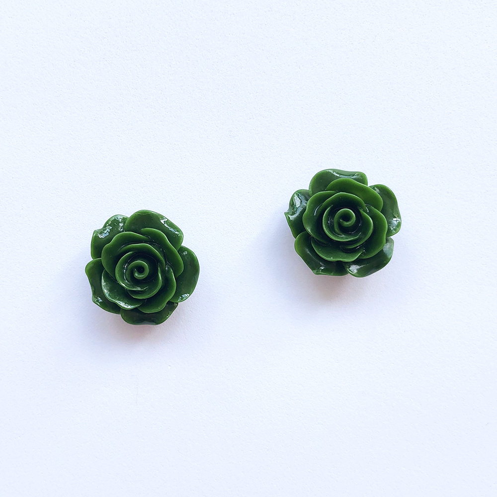 vintage-inspired-green-rose-earrings-1