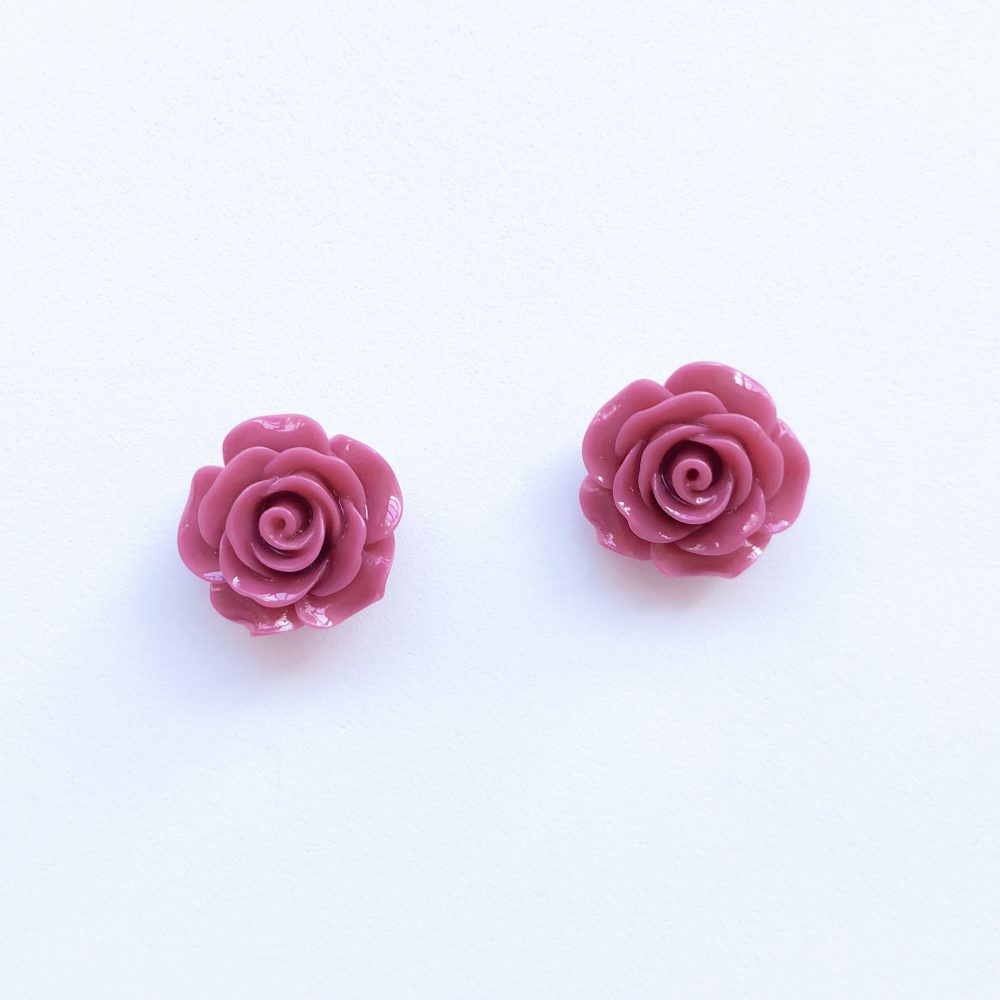 vintage-inspired-purple-rose-earrings-1d