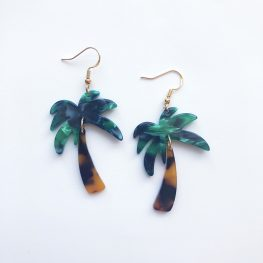 beach-vibes-palm-trees-dangle-earrings-1