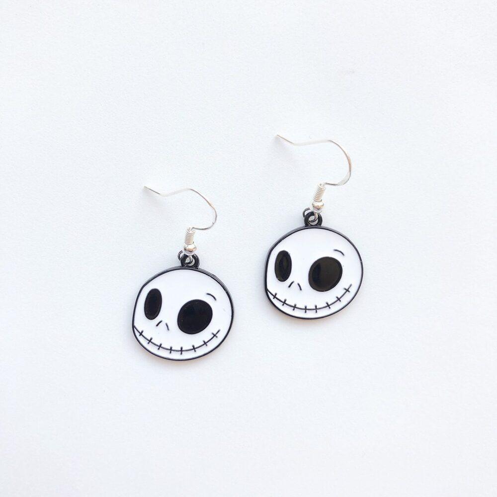 cute-skull-halloween-earrings-1a