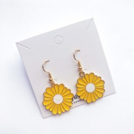 fun-in-the-sun-daisy-earrings-yellow-2a