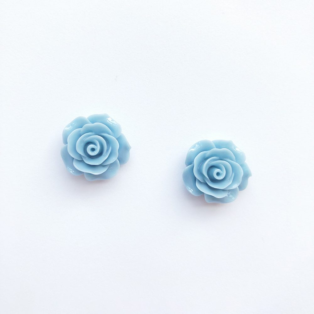 vintage-inspired-light-blue-earrings-1