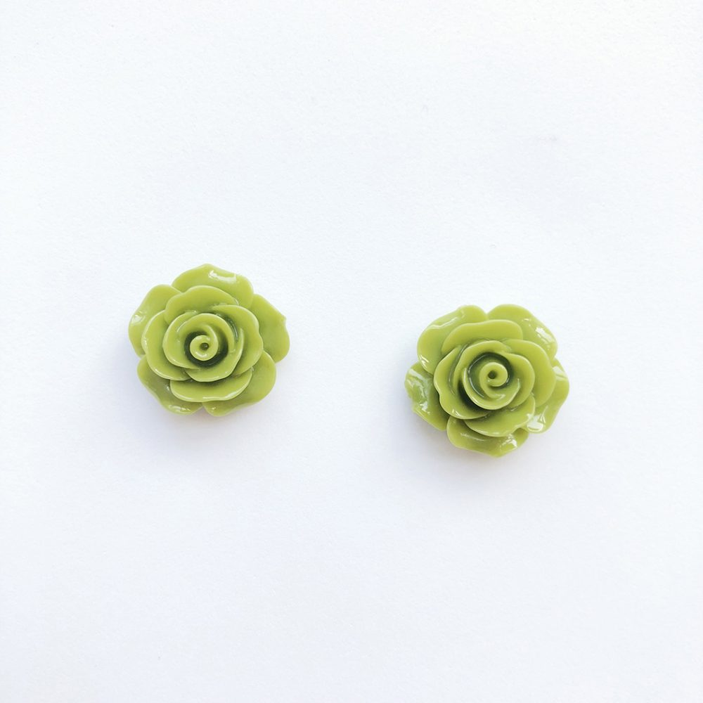 vintage-inspired-light-green-earrings-1a