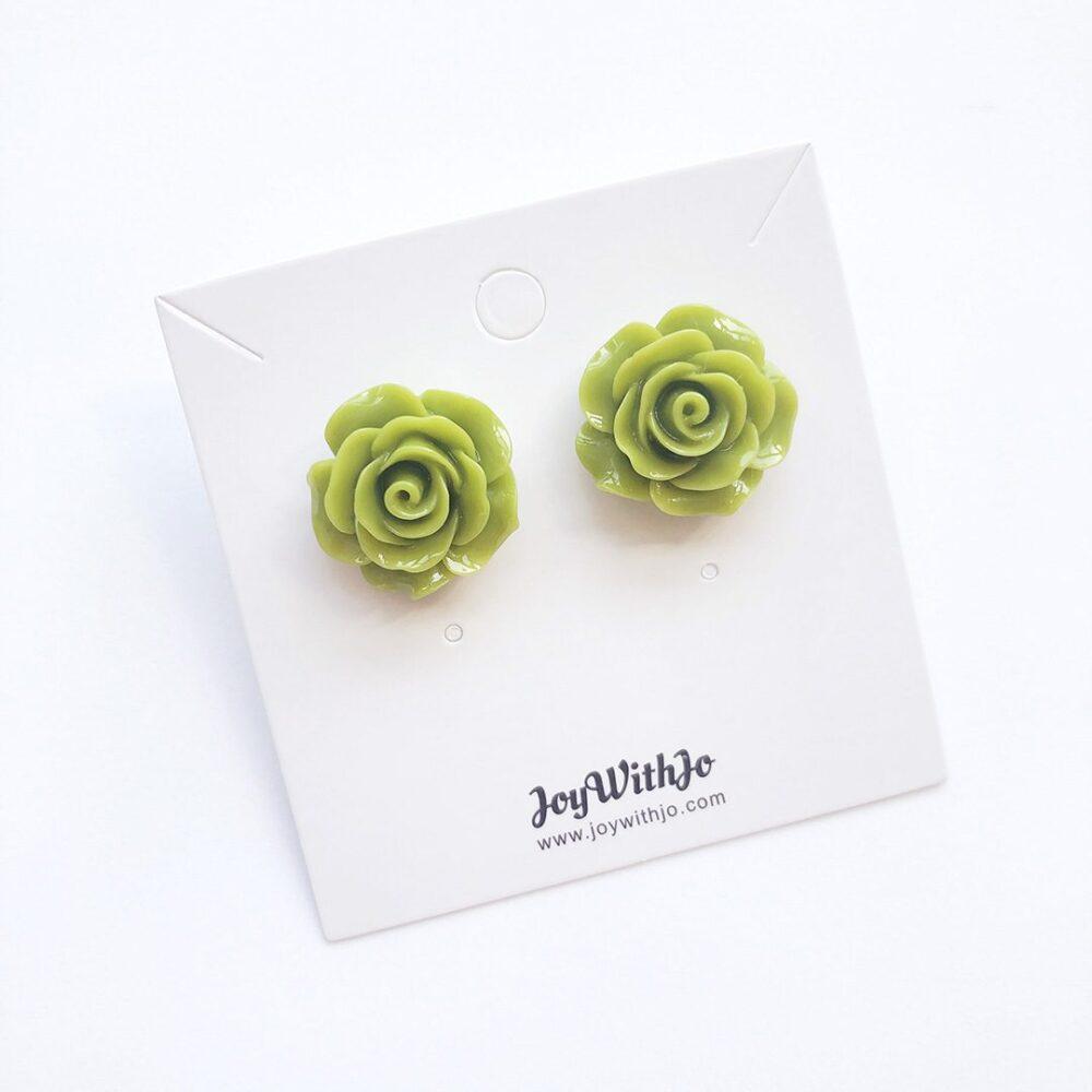 vintage-inspired-light-green-earrings-2a