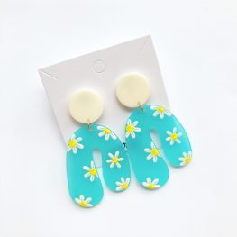the-joy-you-bring-daisy-earrings-2a