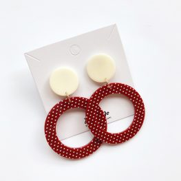 vintage-inspired-polka-dot-dangle-earrings-2