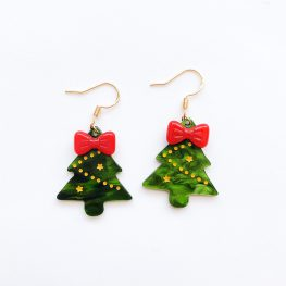 cute-resin-christmas-tree-earrings-1
