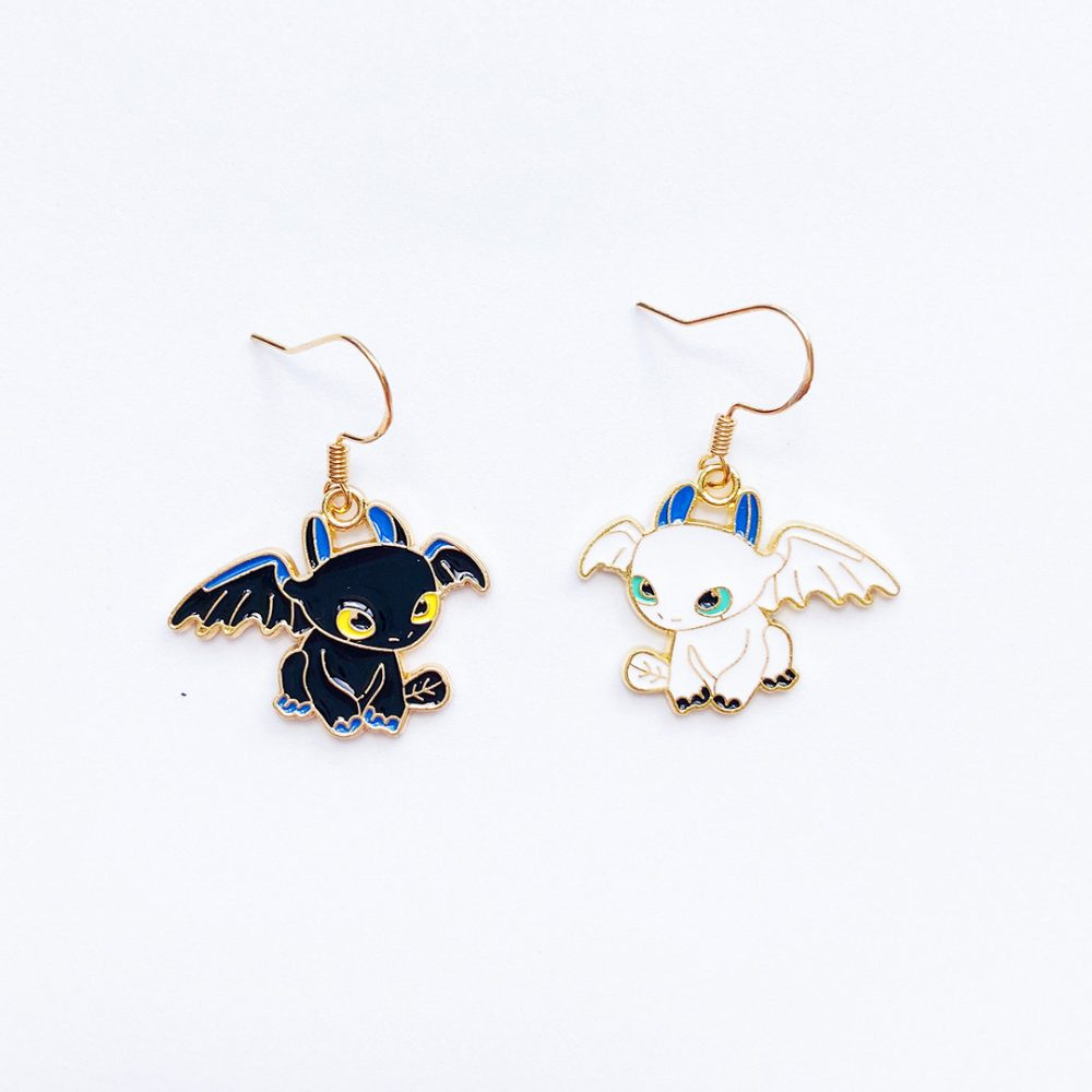 train-your-dragon-toothless-earrings-1a