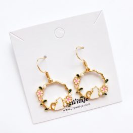 cute-and-cuddly-cat-earrings-1