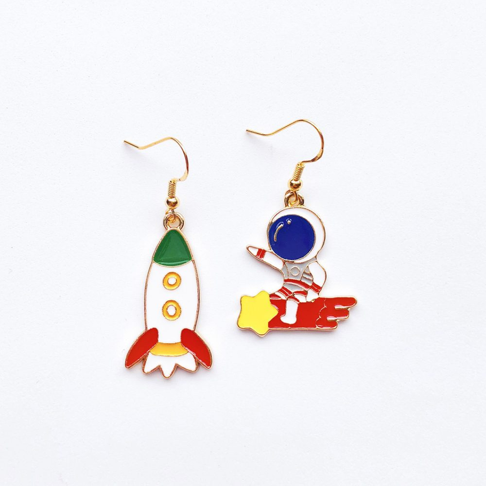 let's-do-this-astronaut-earrings-1c
