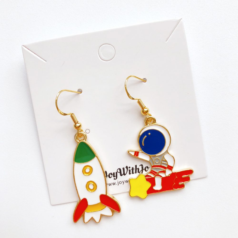 let's-do-this-astronaut-earrings-2e