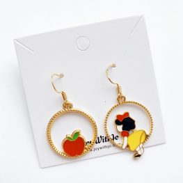 little-snow-white-and-the-apple-earrings-1