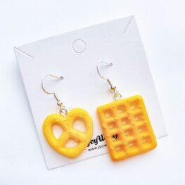 waffle-and-pretzel-earrings-1c