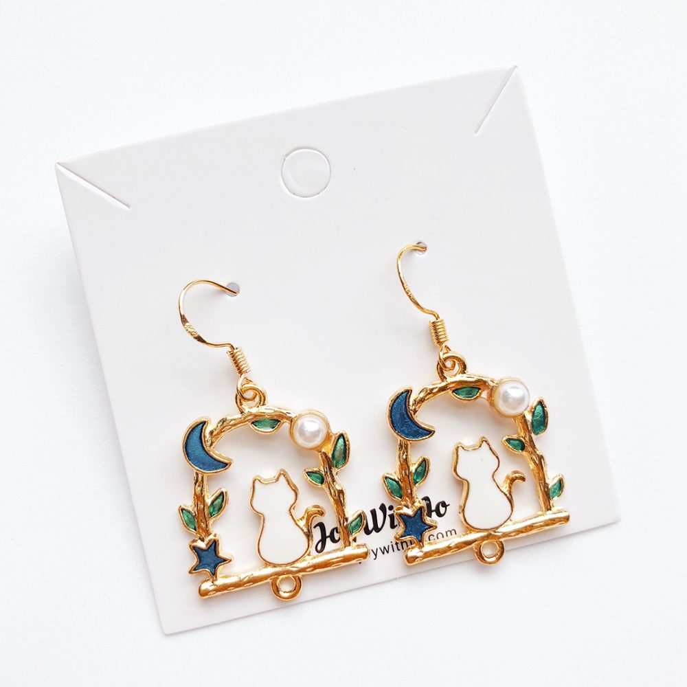 wish-upon-a-star-cat-earrings-1a