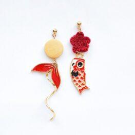 cute-koi-mismatched-earrings-1a
