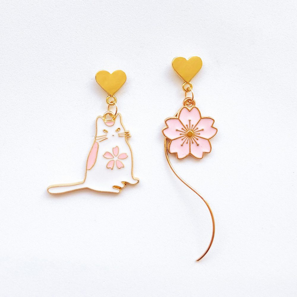 cute-mismatched-floral-cat-earrings-1a