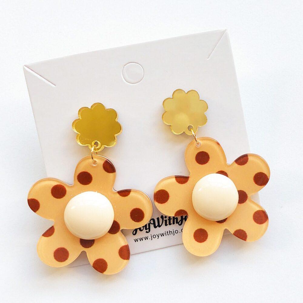 polka-dot-floral-dangle-earrings-brown-1a