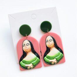 smile-like-mona-lisa-earrings-1a
