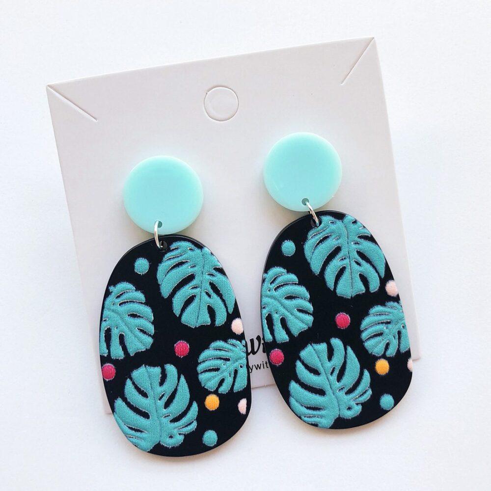 monstera-leaf-earrings-1