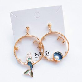 the-world-is-your-oyster-mermaid-earrings-1a