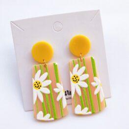 upsy-daisy-floral-earrings-1