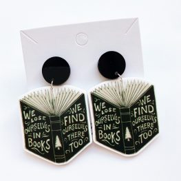 we-lose-ourselves-in-books-earrings-1