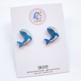 cute-whale-stud-earrings-1a