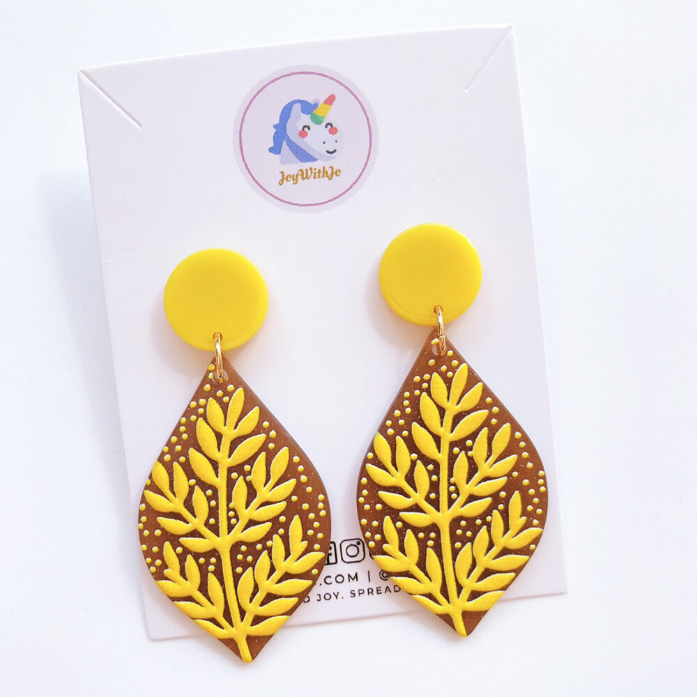 tall-and-strong-leaf-earrings-1